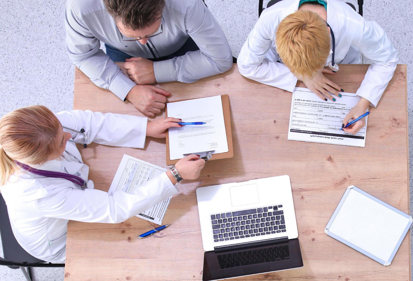 equipe de vendas planos de saúde
